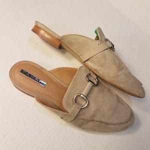 Tahari Frenchie shoe